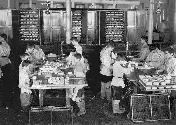 Революция 1917, детский труд в Российской Империи, Челябинск, Чаеразвесочная фабрика Высоцкого|Фото: livejournal.com