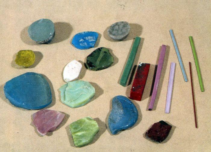 Образцы цветного стекла, изготовленных на Усть-Рудницкой фабрики во времена М.В. Ломоносова
