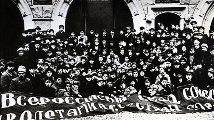 Делегаты Первого съезда комсомола