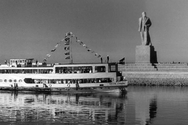 Кадр из фильма «Волга-Волга»
