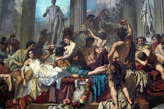 В Древнем Риме был такой праздник — Сатурналии. Отмечался он накануне и непосредственно в день зимнего солнцестояния — 22—23 декабря