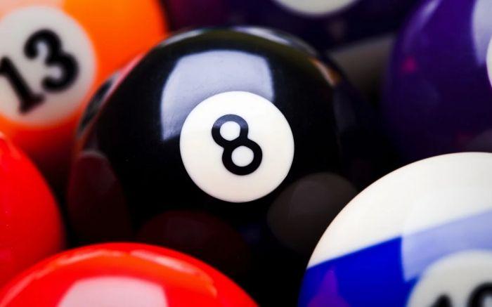 Шар № 8 в игре Американский пул «Восьмёрка» (Eight ball, 8-ball)