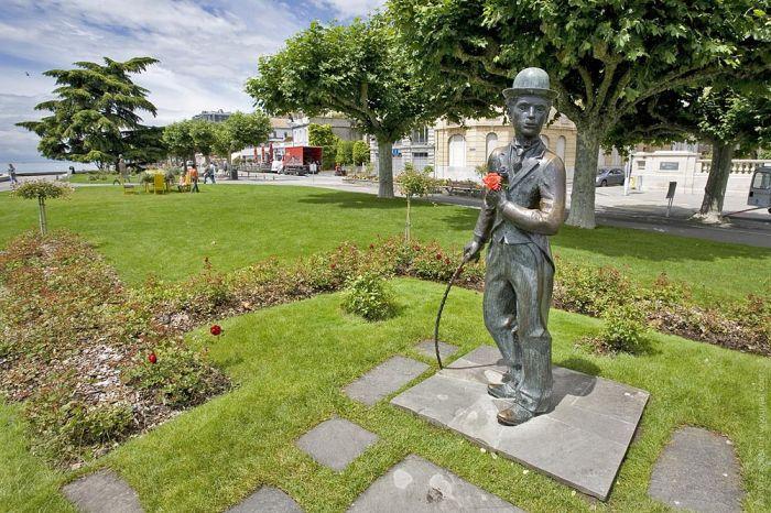 Памятник Ч. Чаплину в городе Веве, Швейцария