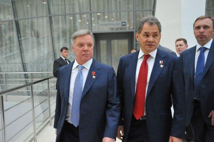 Борис Громов и Сергей Шойгу